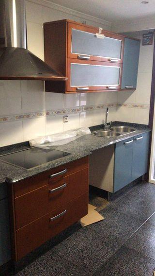 Mueble de cocina de segunda mano en Ourense en WALLAPOP