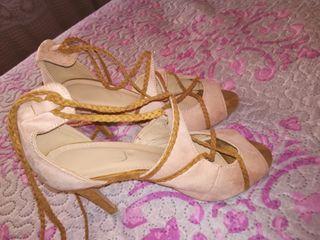 zapatos de tercipelo maron.