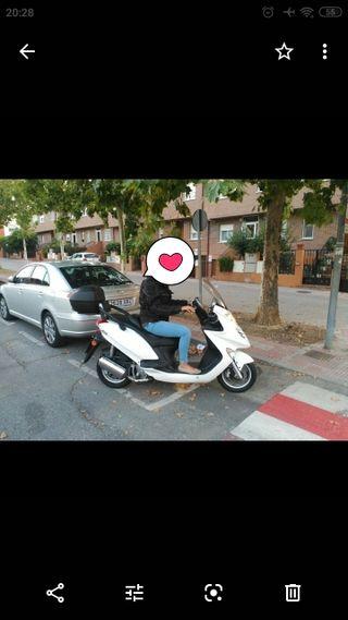 moto Grand Dink 125 30000 km en perfecto estado bl