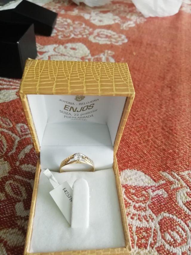 anillo de oro hombre