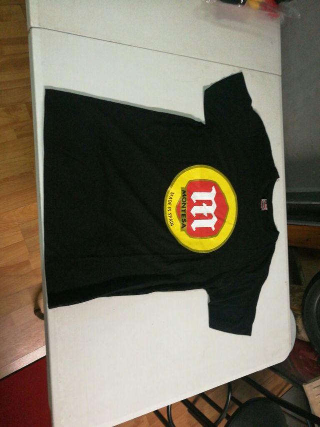 Camiseta con el logo de Montesa