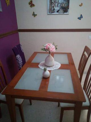 mesa comedor y cuatro sillas a juego 150x90
