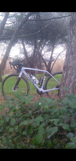 bicicleta gravel trek checkpoint 5.0 carbono