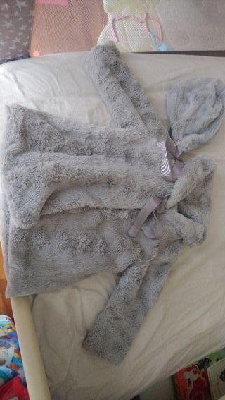 abrigo pelo con capota