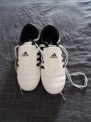 Adidas artes marciales. taekwondo krav maga