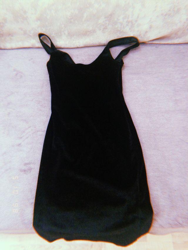 Vestido negro tipo fiesta