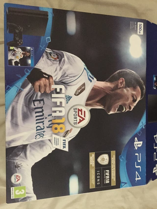 Great condition PS4 with fifa 18