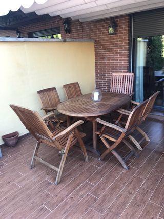 Conjunto de mesa y sillas de jardin