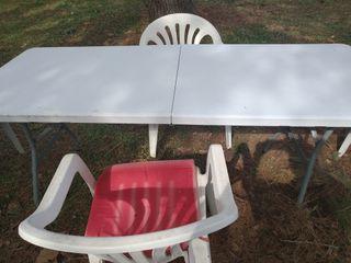 Mesa plegable camping y sillas