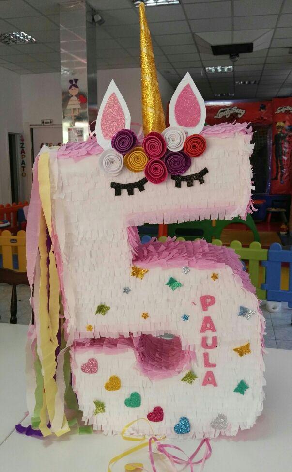 piñata artesanal de numero unicornio
