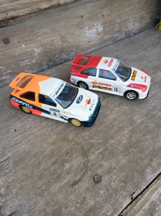 Dos Ford scort Scalextric