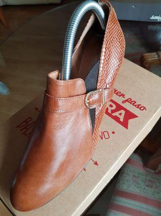 Zapatos mujer 41 botines de piel, nuevos