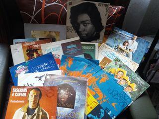 Lote: 27 singles de vinilo de los 70