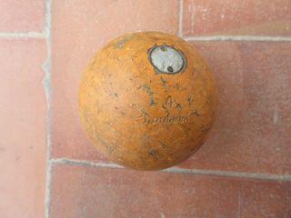 Bola de lanzamiento de peso polanik 4 KG.