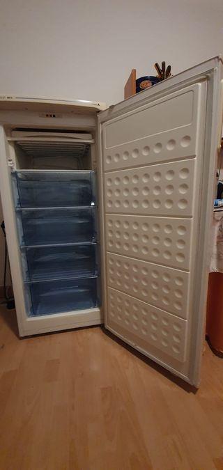 Congelador ROMMER