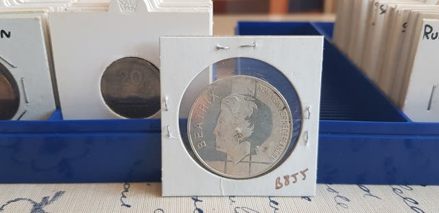 lote monedas incluye plata antiguas y muchos paise