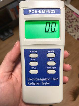 Medidor de radiación electromagnética PCE