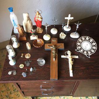 LOTE DE ANTIGÜEDADES RELIGIOSAS VARIAS MUY ANTIGUA