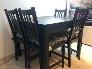 Mesa comedor ikea y sillas de segunda mano por 150 € en