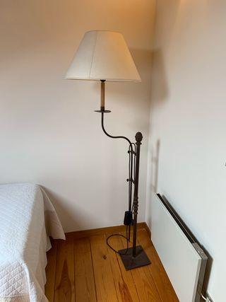 Lámpara artesanal. Rústica.
