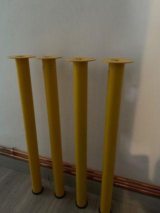 4 Patas amarillas Ikea 5 €