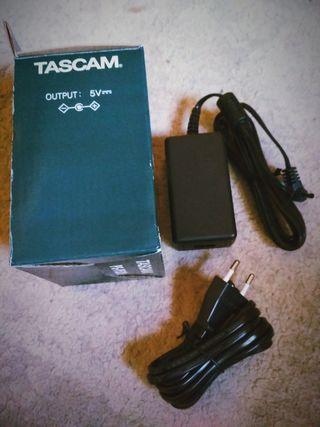 AC ADAPTADOR TASCAM PS-P520