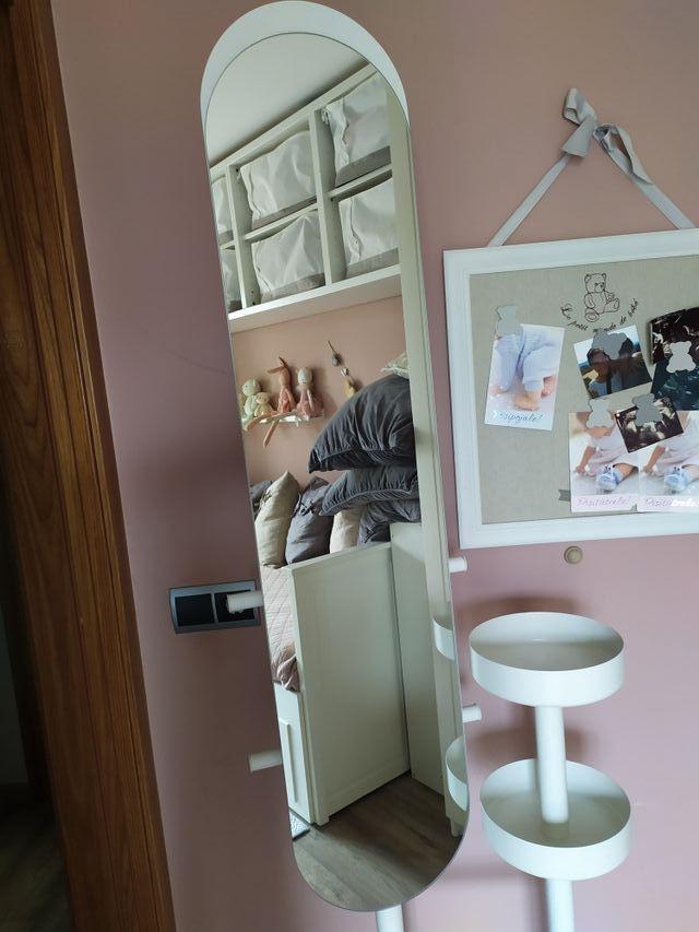 Perchero con espejo perfecto estado Ikea Lierskoge