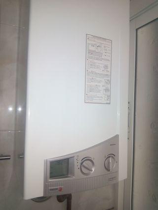 Termo de gas natural con encendido electrónico
