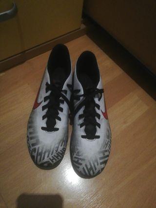 botas nike fútbol 11 talla 43