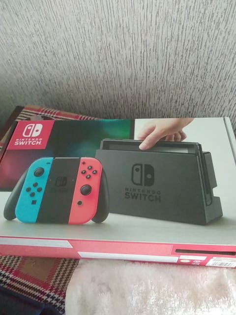nintnendo switch for sale with mario kart 8 deluxe
