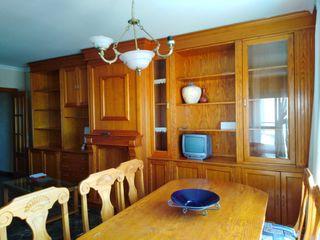 Mueble salón comedor y mesa con 6 sillas