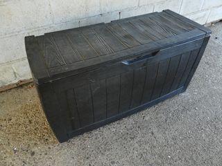 Baúl de plástico