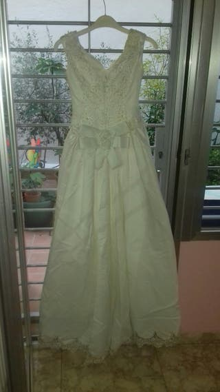 Se vende vestido de novia ropa de fiesta y abrigo
