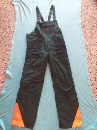 Pantalones anticorte para podar