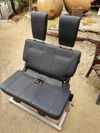Auténtico sillón doble de coche en base de hierro