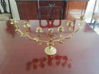 Candelabro judío antiguo