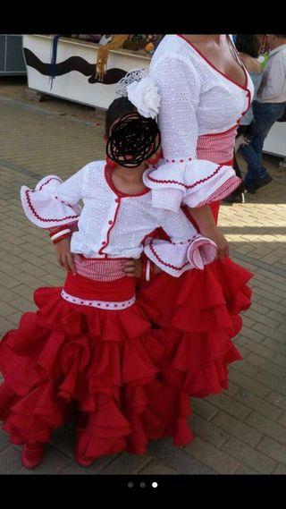 trajes de flamenca madre e hija