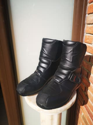Botas de moto. Alpinestars racing ahead waterproof