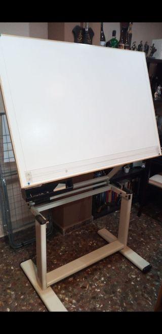 Mesa de dibujo técnico con paralex original UPV