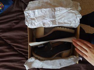 Zapatos mustang 37 negras.