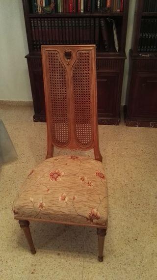 6 sillas de salón de Mariano García.