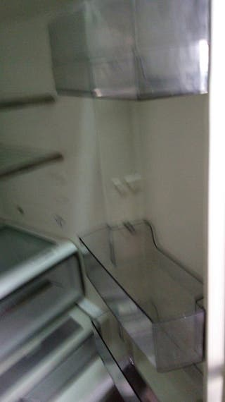 americana AEG de un congelador de 0.90 de ancho