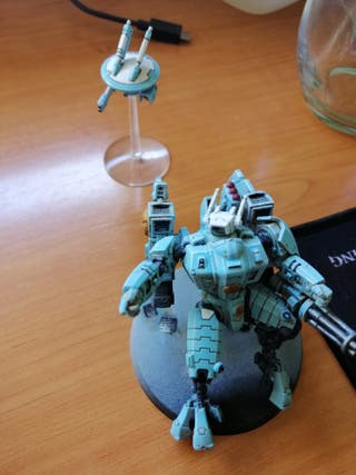 Warhammer Comandante Tau + drone
