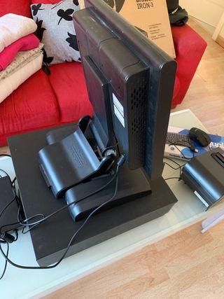 Caja registradora, con tpv, teclado y mause.