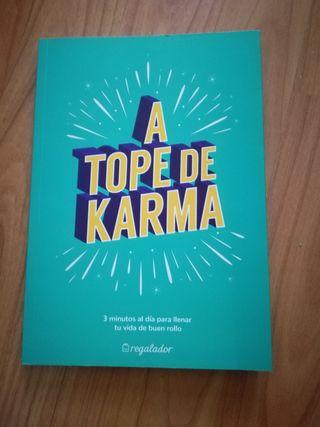 """Libro """"A tope de karma"""""""