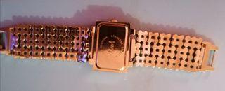 reloj de pulsera de mujer de acero