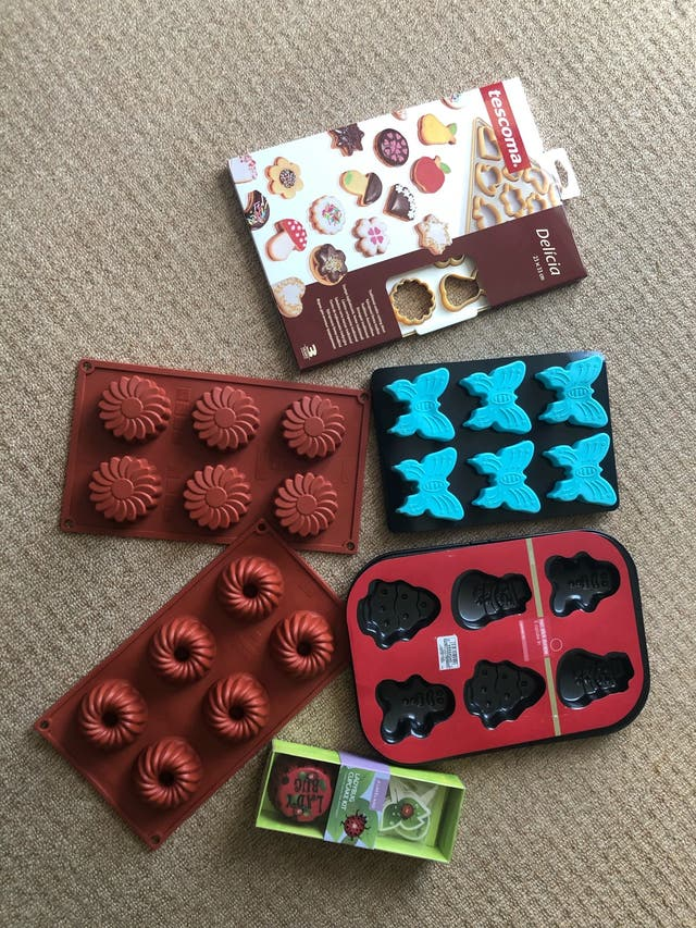 Baking moulds, tins and kits