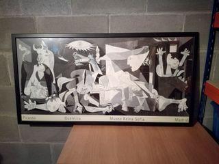 Cuadro Guernica de Picasso enmarcado en madera