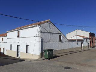 Casa con patio muy amplia