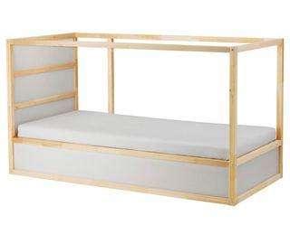 Litera IKEA usada en buen estado